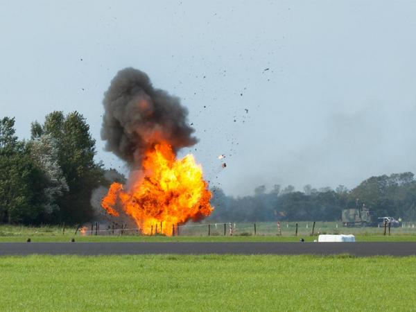 COLOURBOX4892749   eksplosion 01