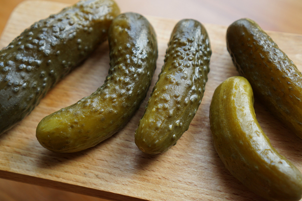 pickled cucumbers 2201151 1920