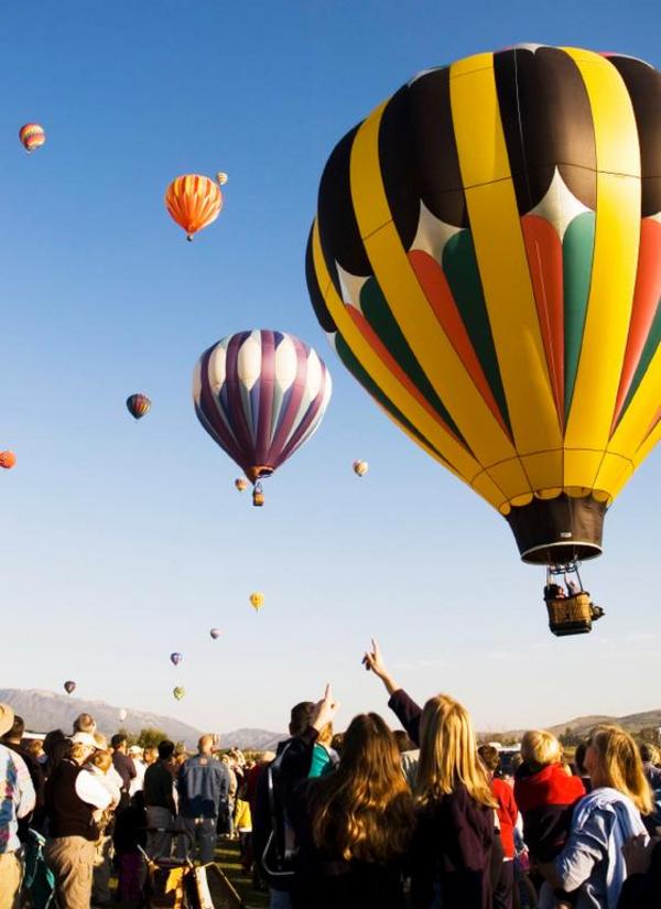 Varmluftballoner   Renee Keith  2006  iStockphoto
