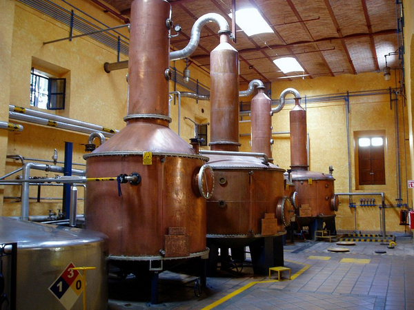 1024px Copper tequila stills